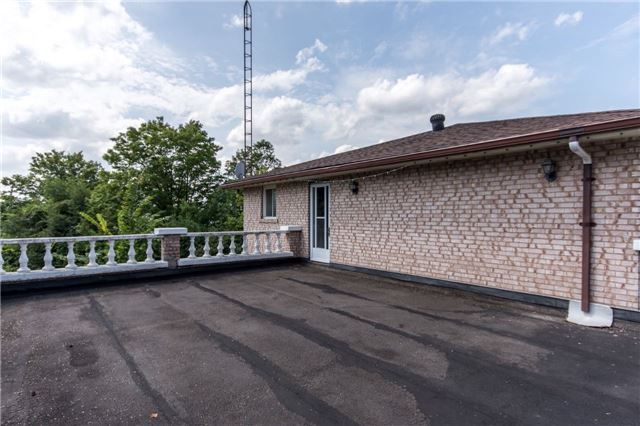 Detached at 12420 Old Kennedy Rd, Caledon, Ontario. Image 6