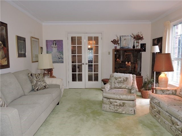 Detached at 350 Chartwell Rd, Oakville, Ontario. Image 14