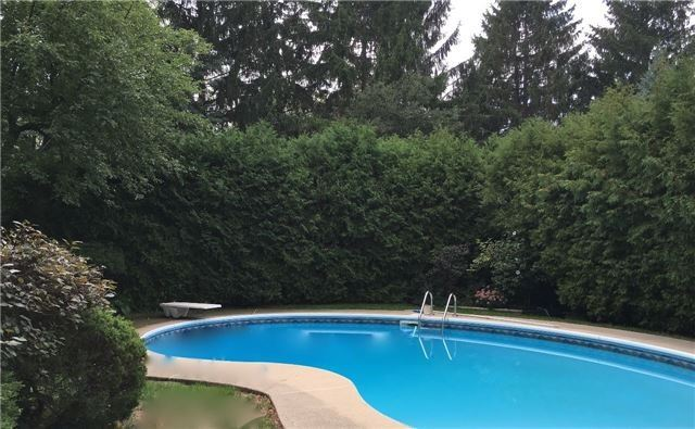 Detached at 350 Chartwell Rd, Oakville, Ontario. Image 8