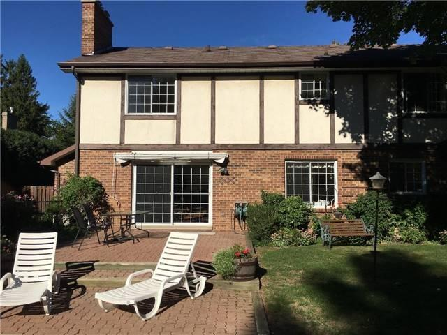 Detached at 350 Chartwell Rd, Oakville, Ontario. Image 9