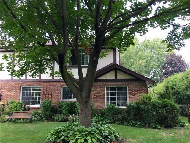 Detached at 350 Chartwell Rd, Oakville, Ontario. Image 10