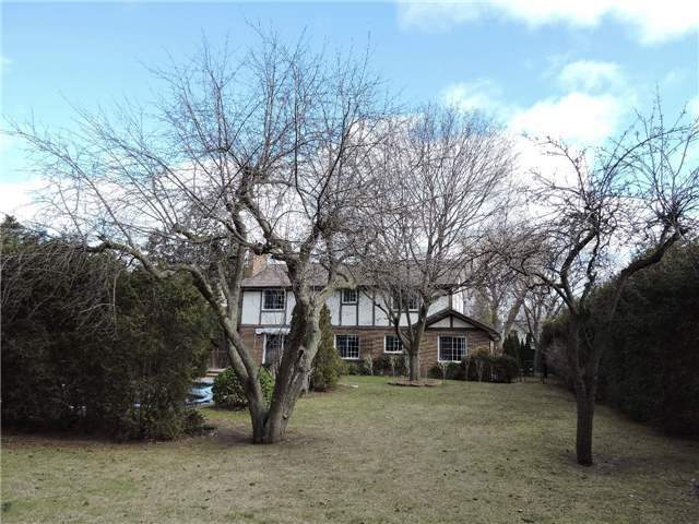 Detached at 350 Chartwell Rd, Oakville, Ontario. Image 11