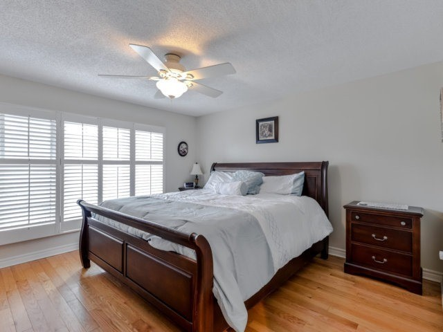 Condo Townhouse at 3100 Fifth Line West Line, Unit 12, Mississauga, Ontario. Image 3