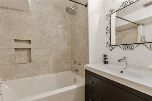 Condo Townhouse at 3100 Fifth Line West Line, Unit 12, Mississauga, Ontario. Image 5