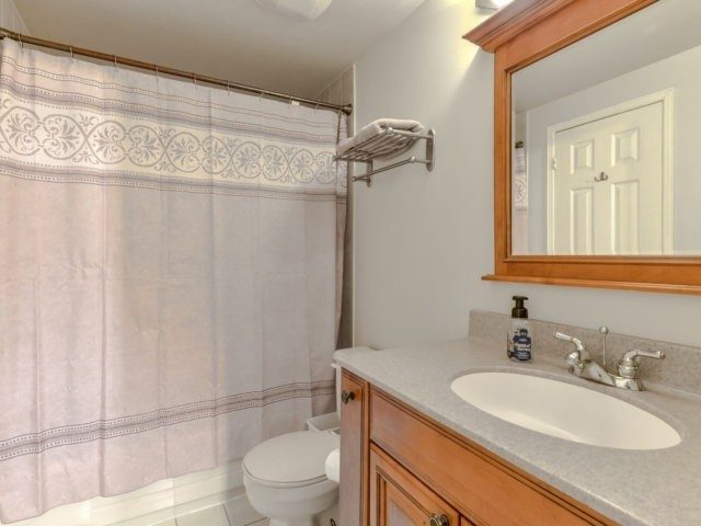 Condo Townhouse at 3100 Fifth Line West Line, Unit 12, Mississauga, Ontario. Image 7