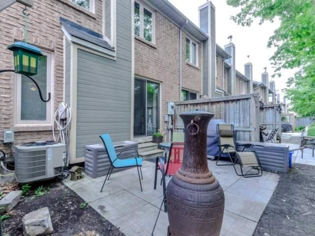 Condo Townhouse at 3100 Fifth Line West Line, Unit 12, Mississauga, Ontario. Image 11