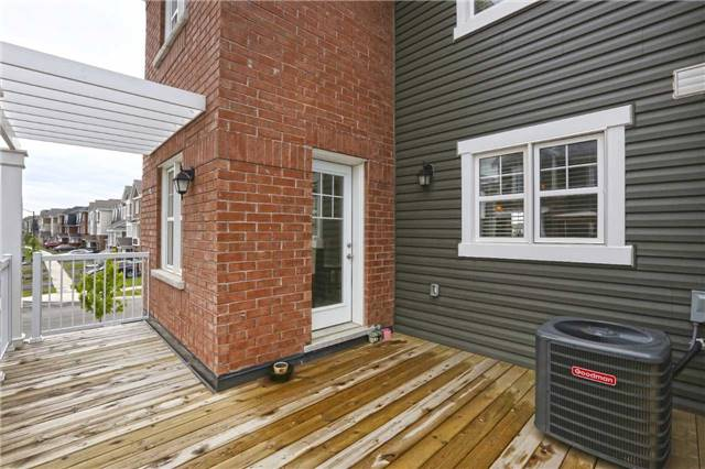 Townhouse at 2 Allium Rd, Brampton, Ontario. Image 4