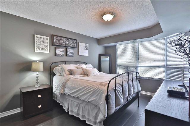 Condo Apartment at 35 Kingsbridge Garden Circ, Unit 407, Mississauga, Ontario. Image 17