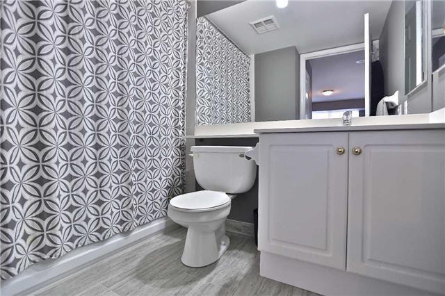 Condo Apartment at 35 Kingsbridge Garden Circ, Unit 407, Mississauga, Ontario. Image 18