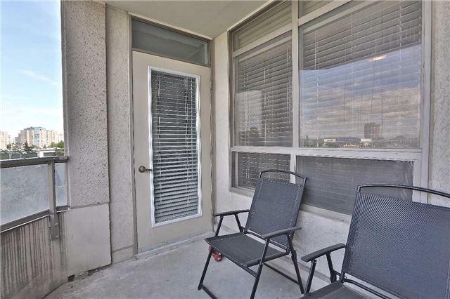 Condo Apartment at 35 Kingsbridge Garden Circ, Unit 407, Mississauga, Ontario. Image 20