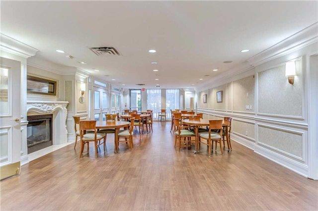 Condo Apartment at 35 Kingsbridge Garden Circ, Unit 407, Mississauga, Ontario. Image 10