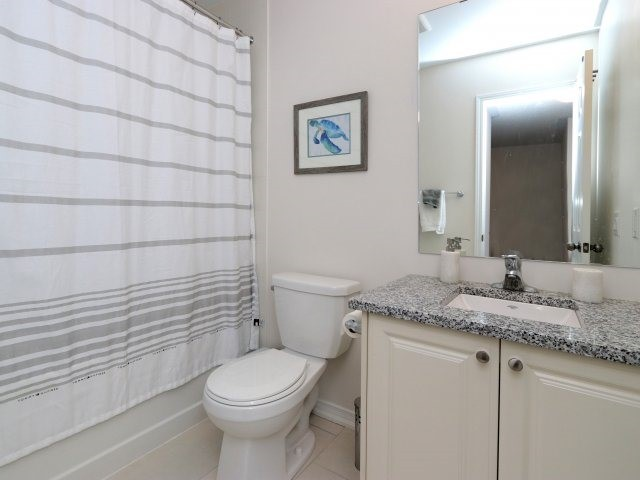 Condo Townhouse at 369 Ladycroft Terr, Mississauga, Ontario. Image 10