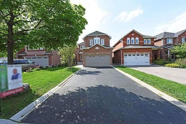 Detached at 3762 Densbury Dr, Mississauga, Ontario. Image 1