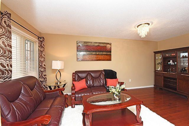 Detached at 3762 Densbury Dr, Mississauga, Ontario. Image 15