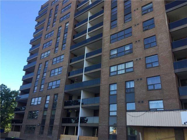 Condo Apartment at 4 Lisa St, Unit 103, Brampton, Ontario. Image 1