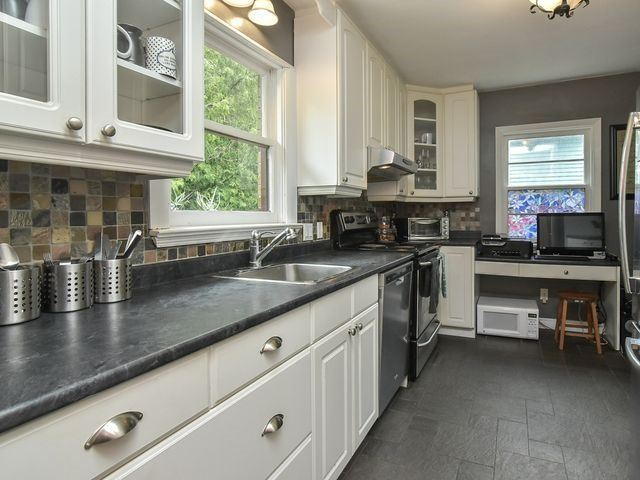 Detached at 29A Second St, Orangeville, Ontario. Image 2