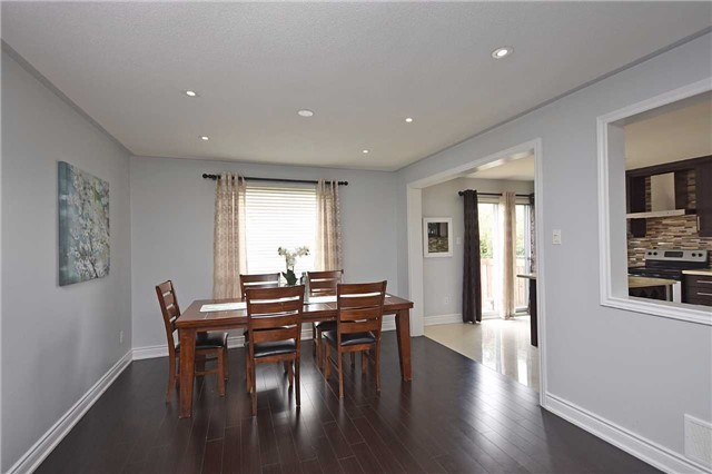 Detached at 1155 Ivandale Dr, Mississauga, Ontario. Image 17