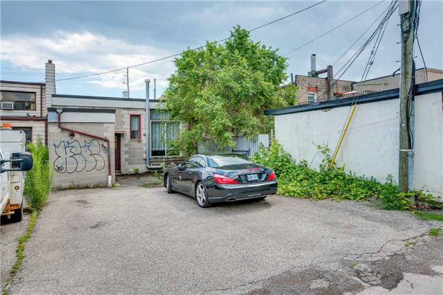 Detached at 712 The Queensway, Toronto, Ontario. Image 11