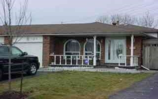 Semi-detached at 105 Manitou Cres, Brampton, Ontario. Image 1