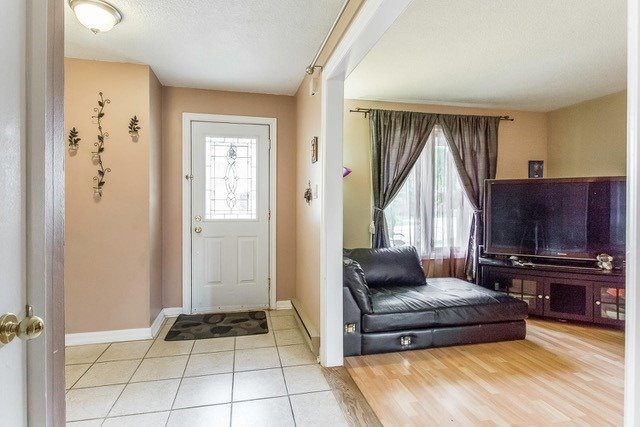 Condo Townhouse at 6540 Falconer Dr, Unit 126, Mississauga, Ontario. Image 12