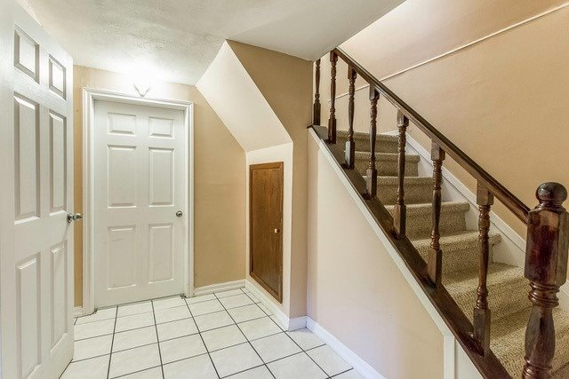 Condo Townhouse at 6540 Falconer Dr, Unit 126, Mississauga, Ontario. Image 5