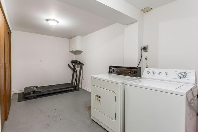 Condo Townhouse at 6540 Falconer Dr, Unit 126, Mississauga, Ontario. Image 7