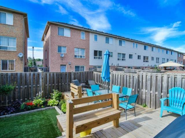 Townhouse at 137 Decker Hollow Circ, Brampton, Ontario. Image 13