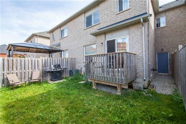Townhouse at 7 Olivett Lane, Brampton, Ontario. Image 11
