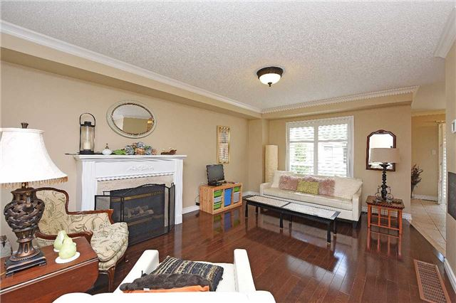 Detached at 83 Russell St, Halton Hills, Ontario. Image 11