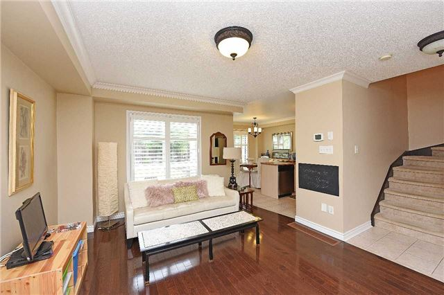 Detached at 83 Russell St, Halton Hills, Ontario. Image 12