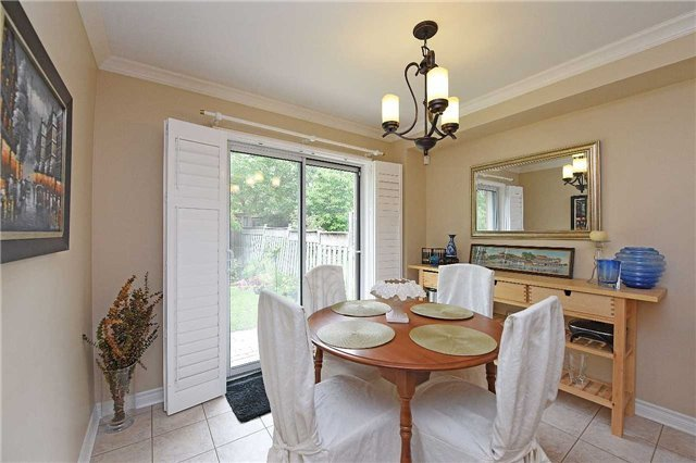 Detached at 83 Russell St, Halton Hills, Ontario. Image 13