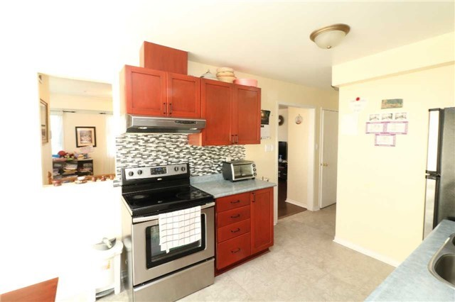 Condo Townhouse at 60 Sidney Belsey Cres, Unit 301, Toronto, Ontario. Image 17