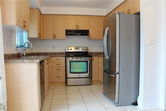 Condo Townhouse at 3030 Breakwater Crt, Unit 328, Mississauga, Ontario. Image 12