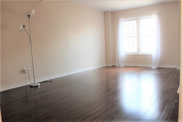Condo Townhouse at 3030 Breakwater Crt, Unit 328, Mississauga, Ontario. Image 19