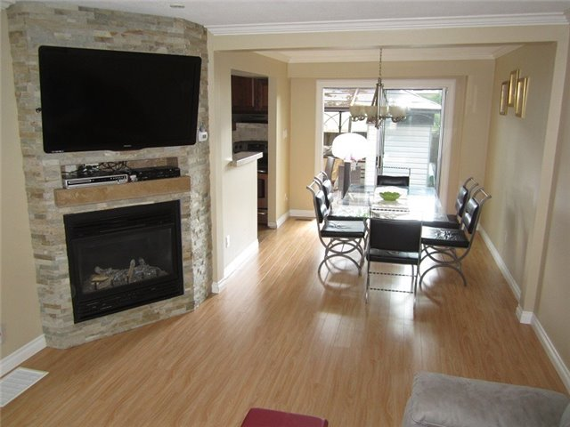 Condo Townhouse at 1055 Shawnmarr Rd, Unit 79, Mississauga, Ontario. Image 15