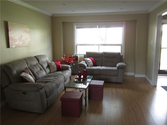Condo Townhouse at 1055 Shawnmarr Rd, Unit 79, Mississauga, Ontario. Image 16