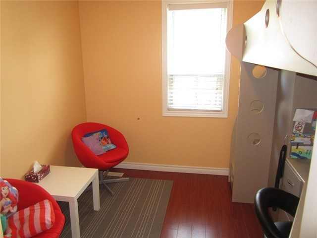 Condo Townhouse at 1055 Shawnmarr Rd, Unit 79, Mississauga, Ontario. Image 3