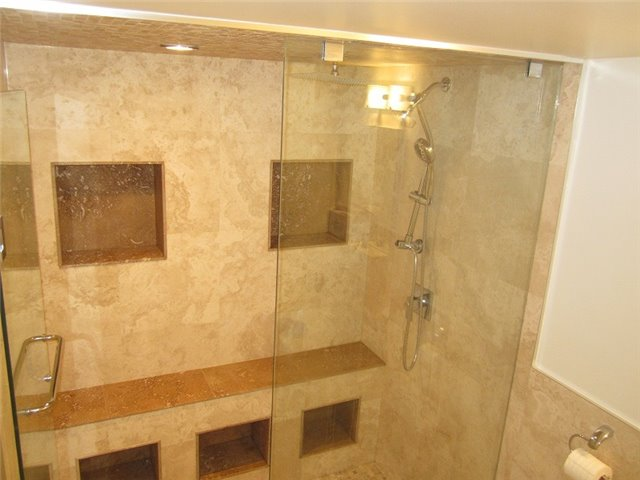 Condo Townhouse at 1055 Shawnmarr Rd, Unit 79, Mississauga, Ontario. Image 5