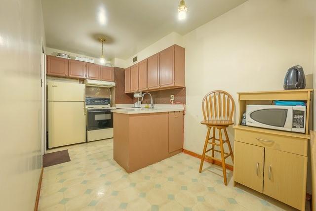 Condo Apartment at 455 Sentinel Rd, Unit 307, Toronto, Ontario. Image 8