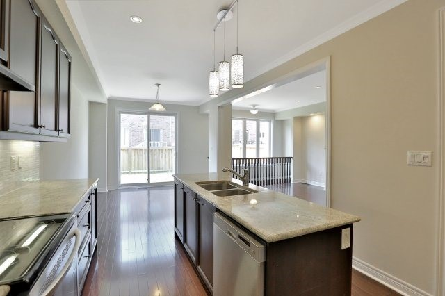 Townhouse at 2474 Thornfield Common, Oakville, Ontario. Image 18