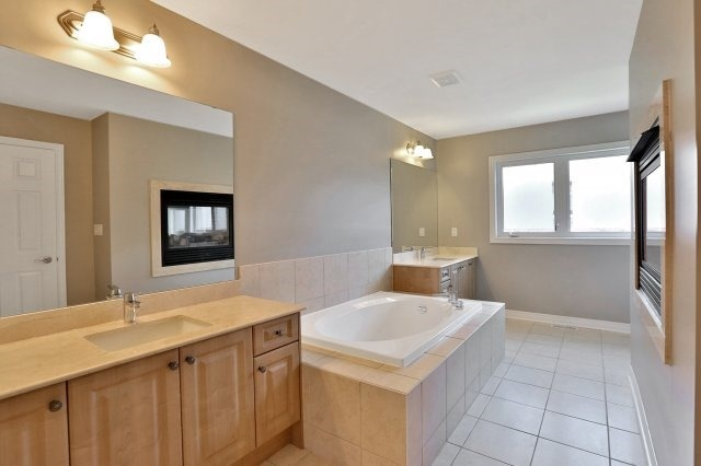 Townhouse at 2474 Thornfield Common, Oakville, Ontario. Image 6