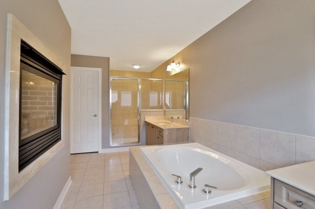 Townhouse at 2474 Thornfield Common, Oakville, Ontario. Image 7