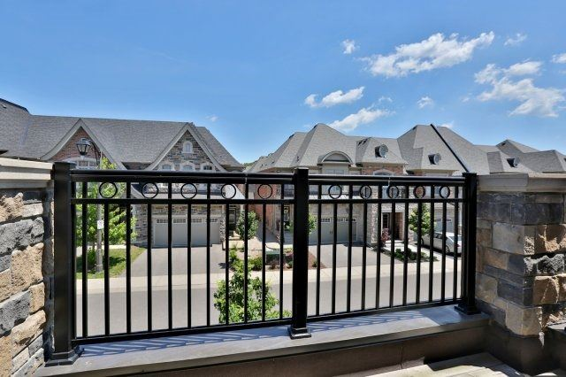 Townhouse at 2474 Thornfield Common, Oakville, Ontario. Image 9