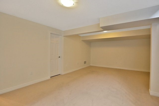 Townhouse at 2474 Thornfield Common, Oakville, Ontario. Image 11