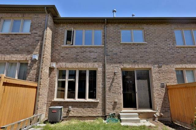 Townhouse at 2474 Thornfield Common, Oakville, Ontario. Image 13