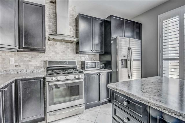 Detached at 106 Stedford Cres, Brampton, Ontario. Image 3