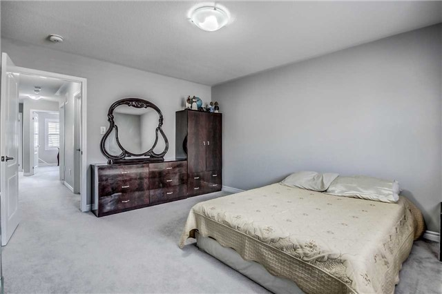 Detached at 106 Stedford Cres, Brampton, Ontario. Image 10