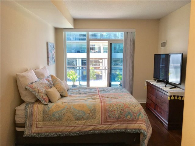 Condo Apartment at 58 Marine Parade Dr, Unit 220, Toronto, Ontario. Image 2