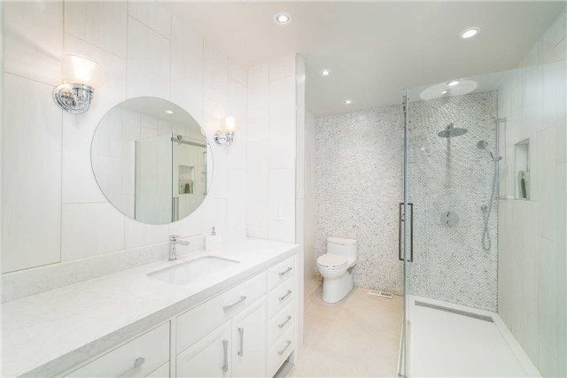Detached at 17 Keily Cres, Caledon, Ontario. Image 2