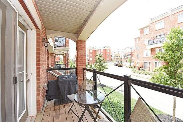 Condo Townhouse at 2464 Post Rd, Unit 7, Oakville, Ontario. Image 11
